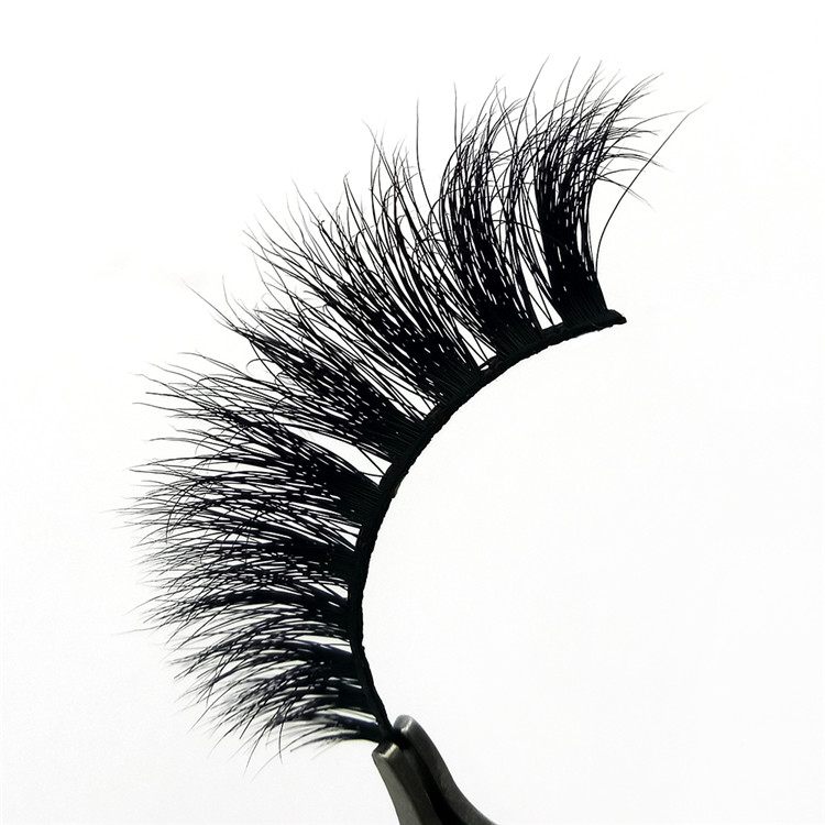 real mink lashes.jpg