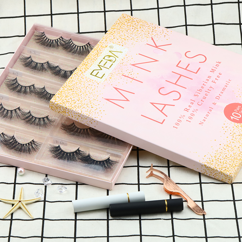 114-strip-lashes.jpg